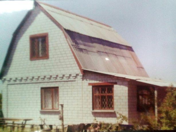 Дом возле Днепра