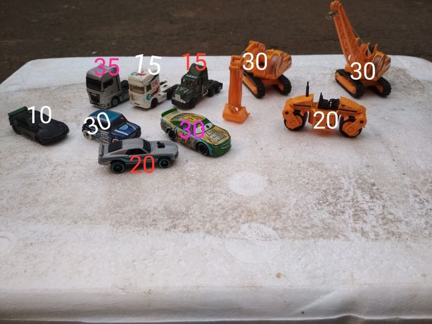 Продам игрушки машинки спецтехника hot wheels