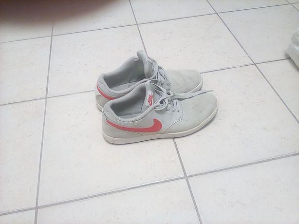 Buty Nike nr 43