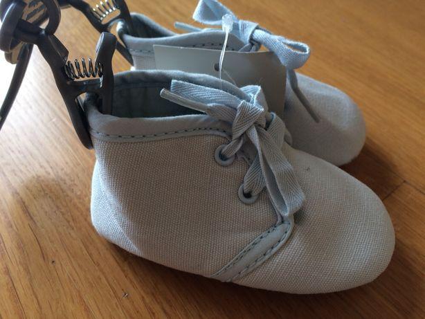 Тапочки / ботиночки 0-3 месяца новые mini club