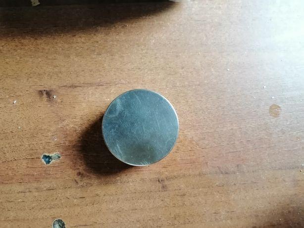 Магниты 2 шт продам неодиновые магниты на 115кг на разрыв