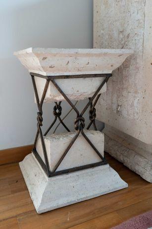 Mesa de Apoio em Pedra