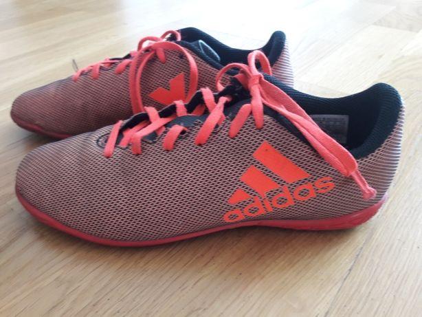Buty halówki Adidas dla chlopca. Rozmiar 36