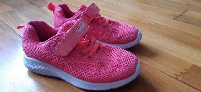 Buty sportowe dziewczęce 29