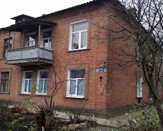 Продается просторная 2-х комнатная квартира в хорошем районе