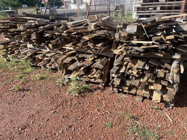 Drewno rozpałka opał deski