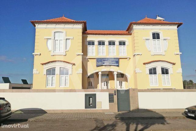 Apartamento T4 Novo Póvoa do Carreiro Troviscal (Troviscal Palace)