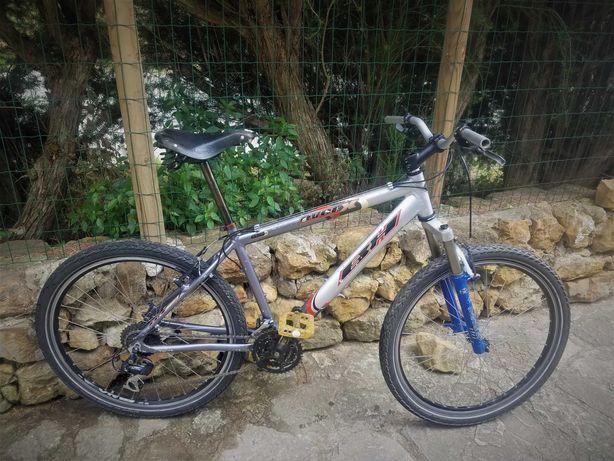 Bicicleta de montanha Marca BH