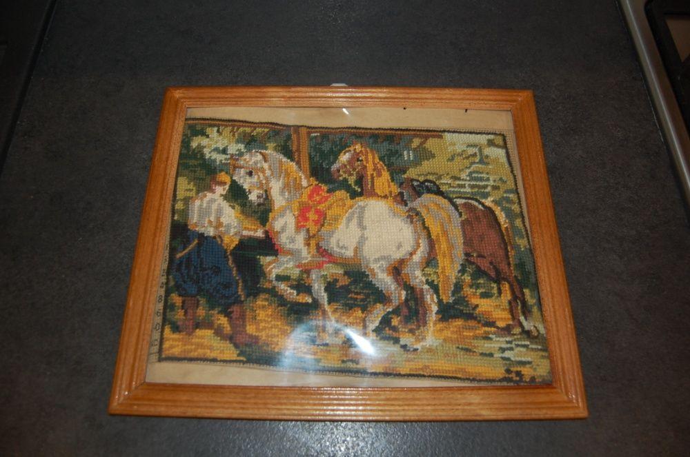 Stary obraz haftowany - konie w stajni Warszawa - image 1
