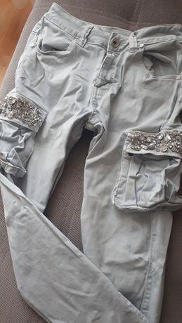 Spodnie bojowki, kamienie
