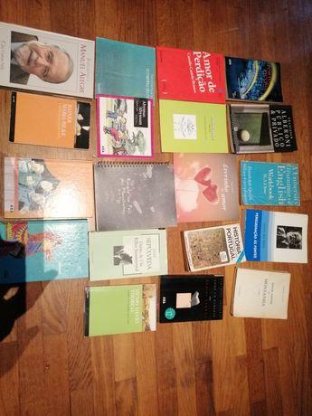 Lote de 65 livros