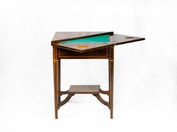 Mesa antiga de jogo de envelope inglesa - clássica
