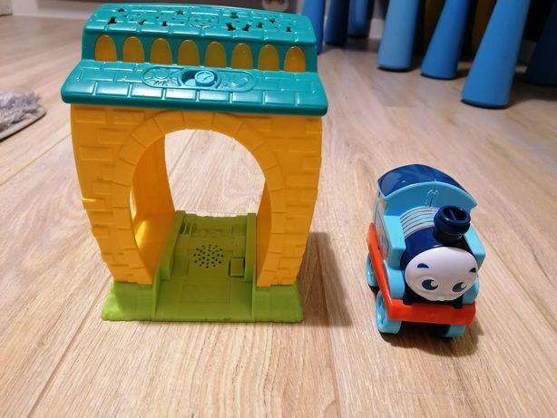 Tomek i przyjaciele, lokomotywa i garaż, dzwięki i światło