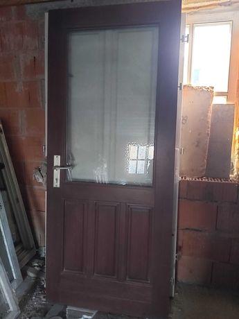 Dębowe drzwi zewnętrzne