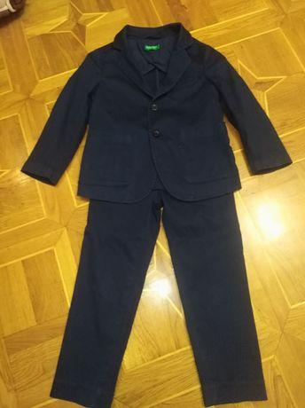 Продам детский костюм и рубашку. Всё в идеальном состоянии.