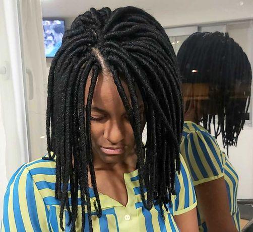 Faço Tranças africanas, aplicações de cabelo com costura e crochet.