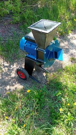 Измельчитель веток электрический садовый ,щепорез ,подрібнювач гілок