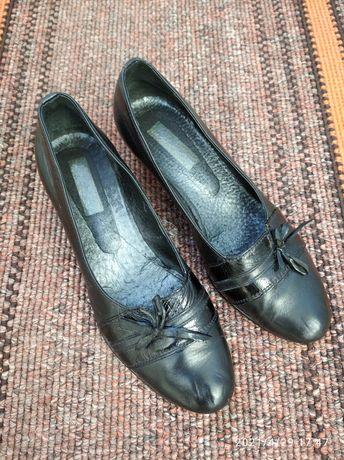 Туфли кожа 37 р. стелька 24,5 см