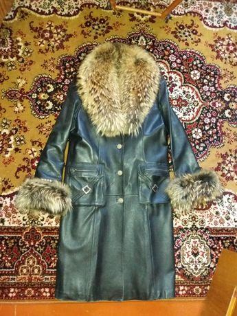 Пальто кожаное женское черное длинное. Плащ, френч.
