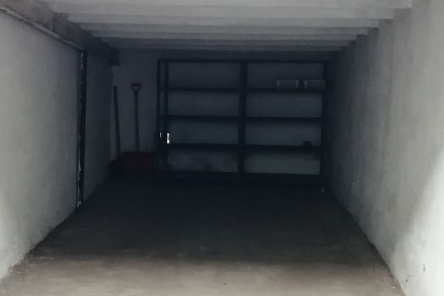 Miejsce garażowe na motocykl, meble itp.