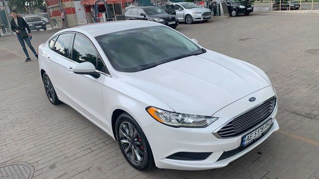 Ford Fusion 1.5 SE 2017 год