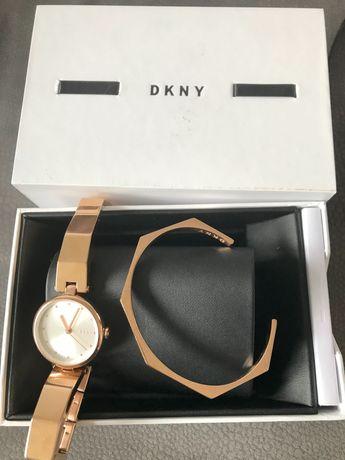 Komplet zegarek z bransoletką DKNY