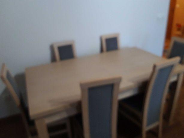 Stół z 8 krzesłami + stolik