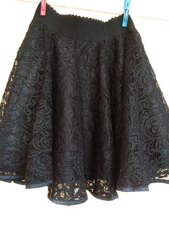 Продам юбку на девочку 9-10 лет.