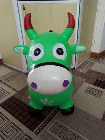 Прыгун коровка..