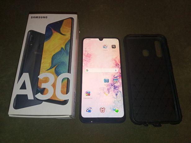 Samsung Galaxy A30 смартфон 6.4 дюймов
