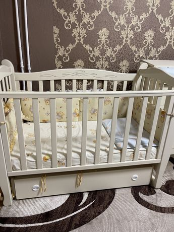 Продам детскую кроватку Верес + комод