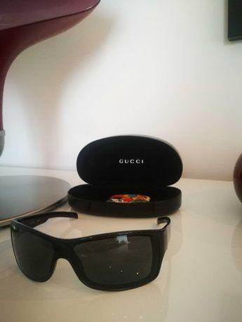 Óculos de Marca Gucci como novos.
