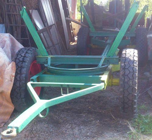 Wóz ciągnikowy do drzewa / przyczepa / platforma do bel