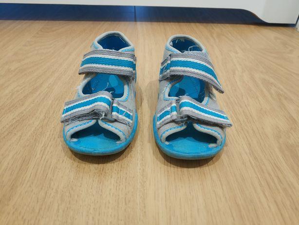 Łapcie kapcie sandałki buty Befado 21