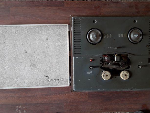 Магнитофон бабинный. ЯУЗА -5