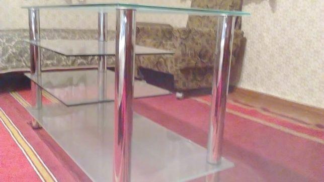 Продам стеклянный стол под телевизор , муз. центр.