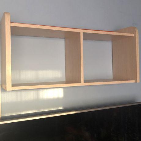 Półka drewniana na ścianę
