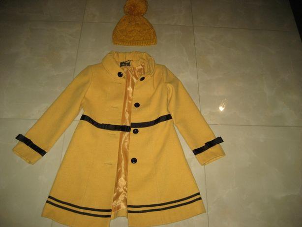 Пальто підліткове на дівчинку і шапка вязана