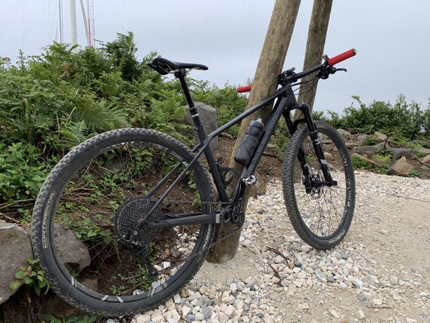 Canyon exceed carbono