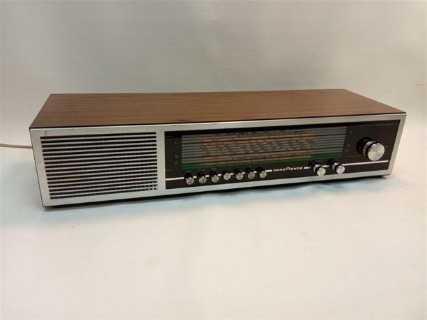 Sprzedam radio stołowe Nordmende Exclusiv - radio z lat 70