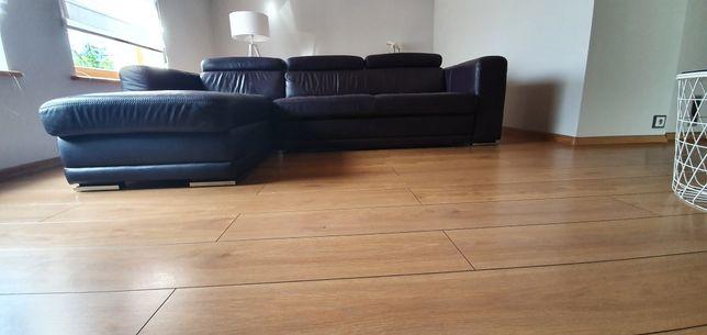 Etap Sofa, Narożnik z funkcją łóżka w kolorze śliwkowym z oparciem
