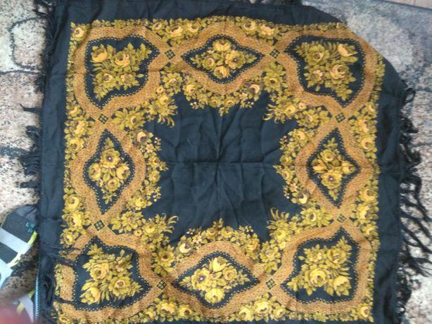 Новый шерстяной платок. Павлово-Посадский .