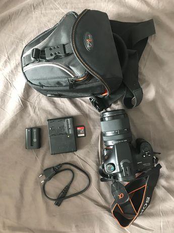 Sony Alpha SLT-A65V z obiektywem 3.5-5.6/18-135 SAM w idealnym stanie
