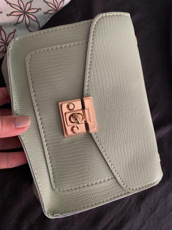 Carteira / mala nova nunca usada
