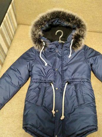 Зимняя куртка, парка на мальчика на 7-9 лет.
