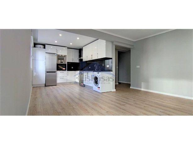Apartamento T2 Remodelado em Odivelas