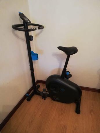 Bicicleta Estática Essencial EB 120 DOMYOS