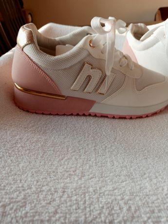 Bało- różowe buty sportowe rozm 39.