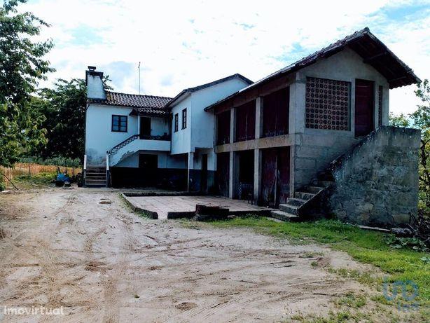 Moradia - 431 m² - T3