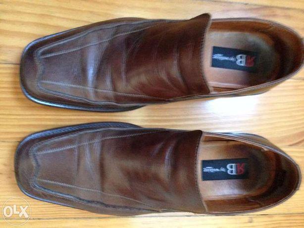 sapatos castanhos 43 em pele em estado novo